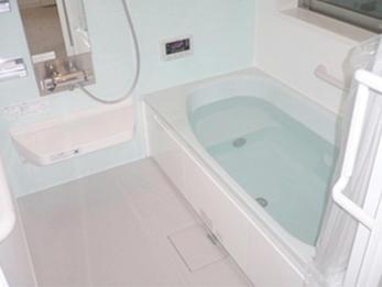 水まわりを明るく一新!広くくつろげる浴室でリフレッシュ!