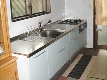収納たっぷりで食器が片付く常に綺麗が保てるキッチン